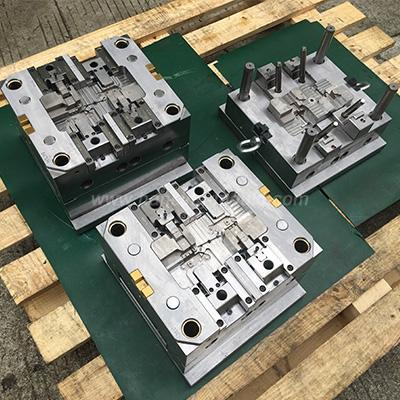 Customized Terminal Mould for Auto Plastic Parts