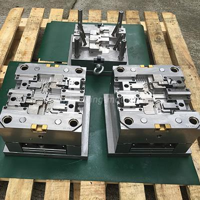 customized-terminal-mould-for-auto-plastic-parts-01-215-2b